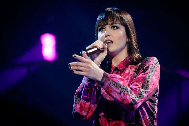 Anniina sai Idols-voittonsa myötä Lappeenrannan kaupungilta 2000 euron stipendin kaupungin esiin tuomisesta. Rahat ovat vielä säästössä ja menevät musiikin tekemiseen.