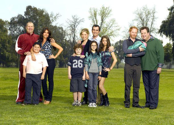Modernissa perheessä seurataan kolmen erilaisen perheyksikön arkea.