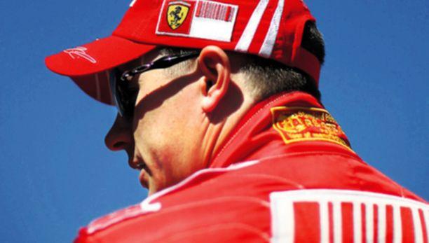 FIA ei helpottanut Kimi Räikkösen takaa-ajomatkaa. Käytännössä päätös tarkoittaa suomalaisen MM-haaveiden hautautumista.