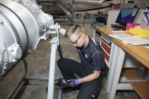 Matias Korri on maailman nuori ykkönen lentokonehuollon osaamisessa.