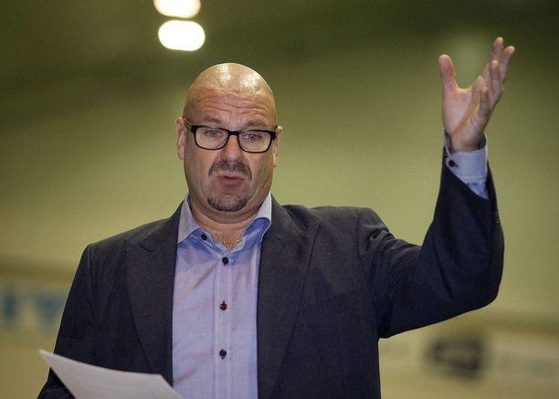 Miika Juntunen piti taannoisessa tiedotustilaisuudessaan kahden tunnin luennon Palloliiton epäkohdista. Arkistokuva.