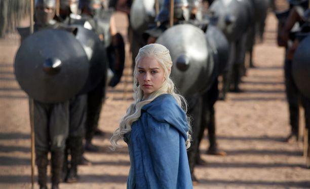 Game of Thrones on yksi historian suosituimpia televisiosarjoja. Kuvassa sarjan päähenkilöihin kuuluva lohikäärmekuningatar Daenerys Targaryen, jota näyttelee englantilainen Emilia Clarke, 29.