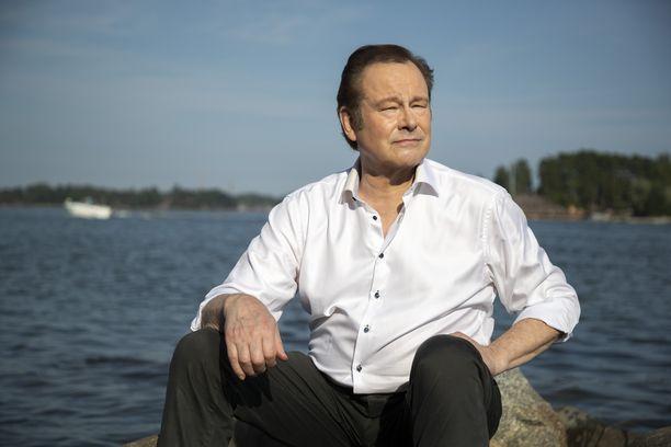 Tapani Kansa nautti kesäpäivästä Espoossa viime kesänä.