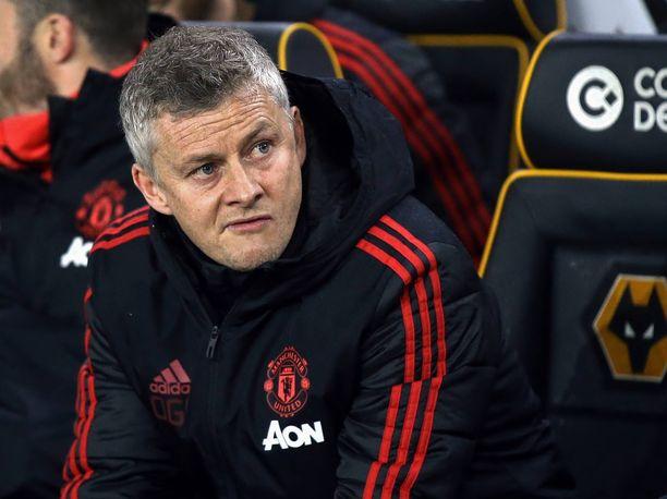 Ole Gunnar Solskjär nähtiin Unitedin penkin päässä ensimmäisen kerran 22. joulukuuta pelatussa Cardiff-ottelussa. Siitä lähtien United on pelannut 19 ottelua, joista se on voittanut 14. Mestarien liigan puolivälierissä joukkue saa vastaansa FC Barcelonan.