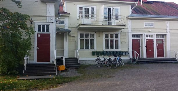 Kaupungin tiedotteen mukaan Osmosentalon tukiasumisyksikkö suljetaan, koska siellä ei enää pystytä turvaamaan asumis- tai työturvallisuutta.