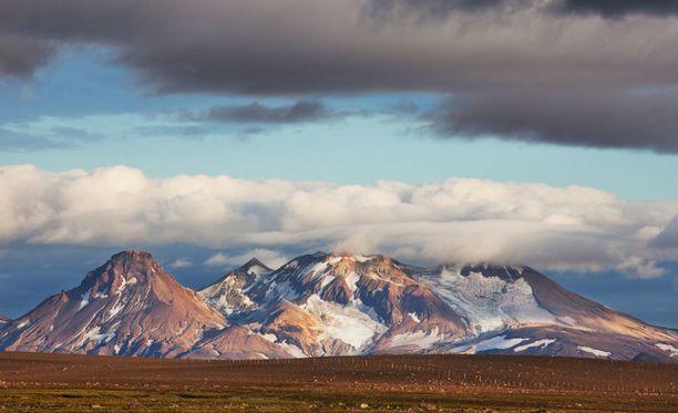 Islannin karu luonto häikäisee.