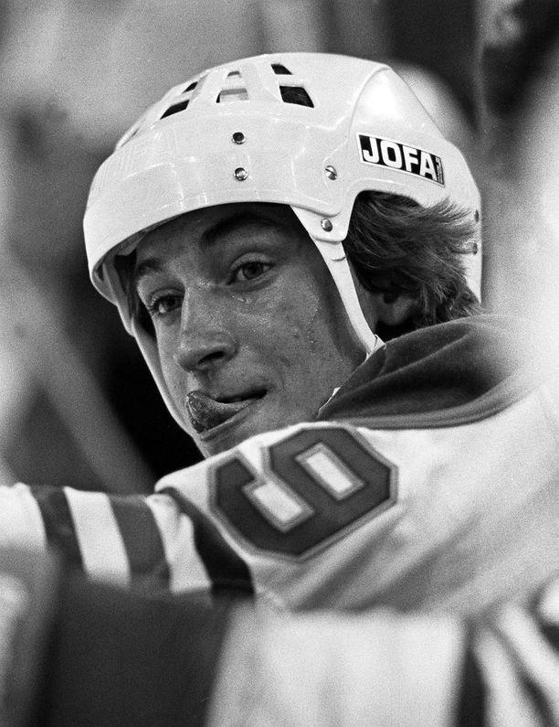 Wayne Gretzky otti NHL:n täydellisesti haltuunsa ja johdatti Edmonton Oilersin neljään Stanley Cupiin 1980-luvulla.