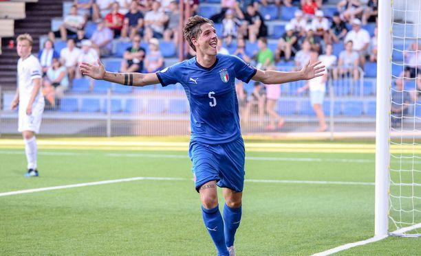 Nicolo Zaniolo viimeisteli Italian johtoon EM-avauksesa Vaasassa.