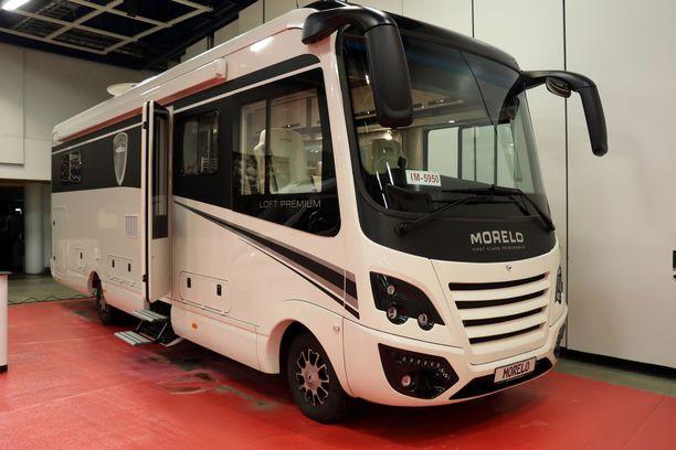 Yli 9-metrinen Morelo on näyttelyn isoin matkakruiseri. Hinta yli 326 000 euroa.