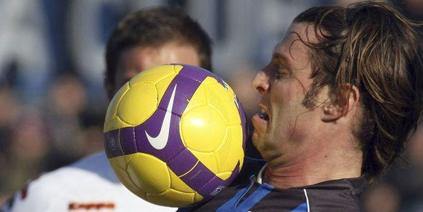 Cristiano Doni kipparoi Atalantaa vuonna 2009.