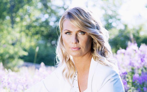 Heidi Suomi kertoo rajuista kivuista.