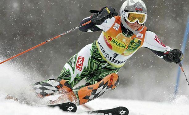 Tanja Poutiainen teki toisella kierroksella kaksi selvää virhettä.