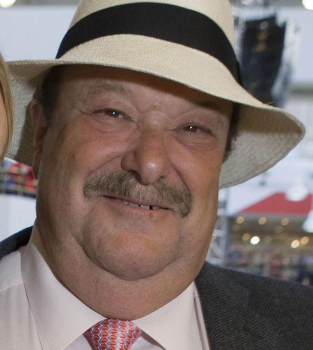 Dennis Rafkin luopui rakkaasta firmastaan 33 vuoden jälkeen.