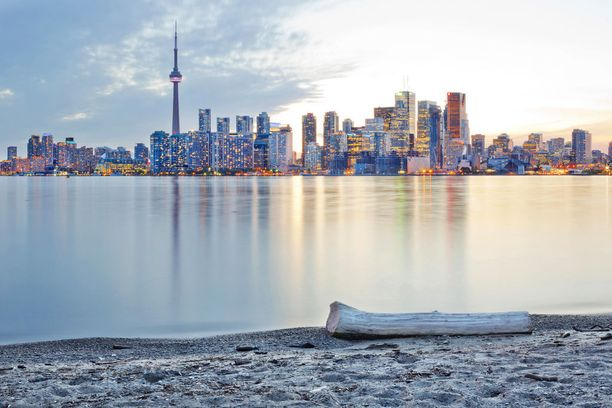 Toronto on suurkaupunki, joka tarjoaa paljon menoa ja tekemistä yksin matkaaville.