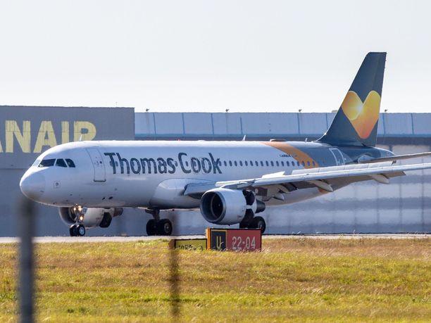 Thomas Cookin kaikki tulevat lennot ja lomamatkat on peruttu yhtiön konkurssin vuoksi.