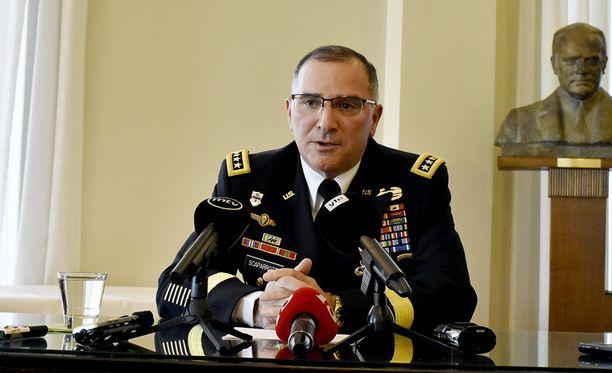Yhdysvaltain ja Naton Eurooppa-joukkojen johtaja, kenraali Curtis M. Scaparrotti vierailee keskiviikkona ja torstaina Suomessa.