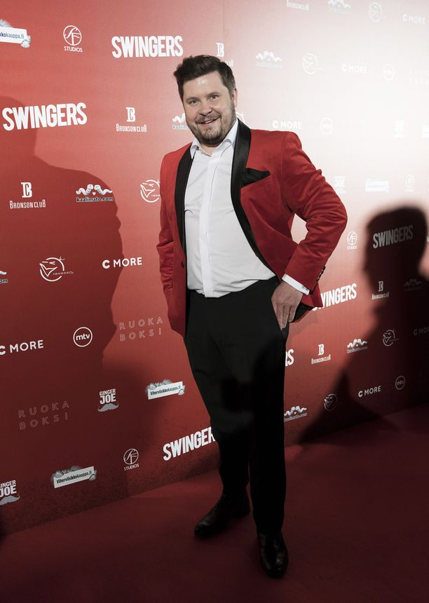 Janne Kataja Swingers-elokuvan ensi-illassa.