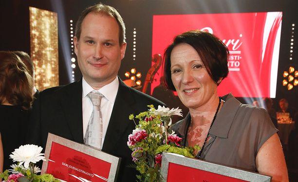 Myös Turun Sanomien Anna Mari Nurminen ja Esko Pihkala palkittiin jutuista, jotka käsittelivät kouluissa tapahtuvaa seksuaalista härintää.