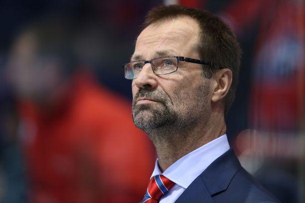 Jari Kaarela on työskennellyt maalivahtivalmentajana useita vuosia KHL:ssä.