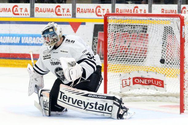 Rasmus Tirronen loukkaantui lauantaina.