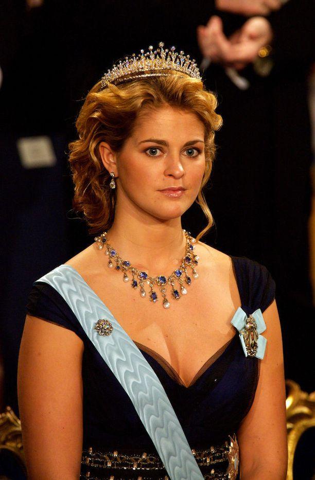 Madeleinen kauneus ja avoimet kaula-aukot ovat pistäneet silmiin Nobel-juhlissa. Tässä poseeraus vuodelta 2006.