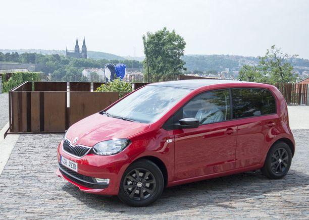Uusittu Škoda Citigo pääsi tuoreen koeajolenkin aikana käymään keskiajalla Prahaa suojelleen linnakkeen, Bastionin, katolla korkealla Prahan vanhan kaupungin yläpuolella.