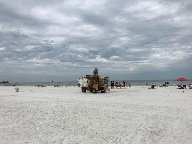 Meksikonlahden rannalla sijaitsevan Clearwaterin hiekkaranta pidetään puhtaana roskista, mutta kierrätys onnistuu kaupungissa vain osalle asukkaista.