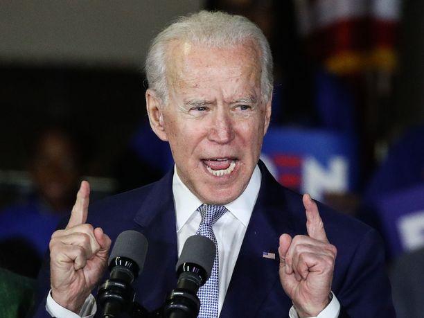 Joe Biden kritisoi NFL:n ja MLB:n ratkaisuja.