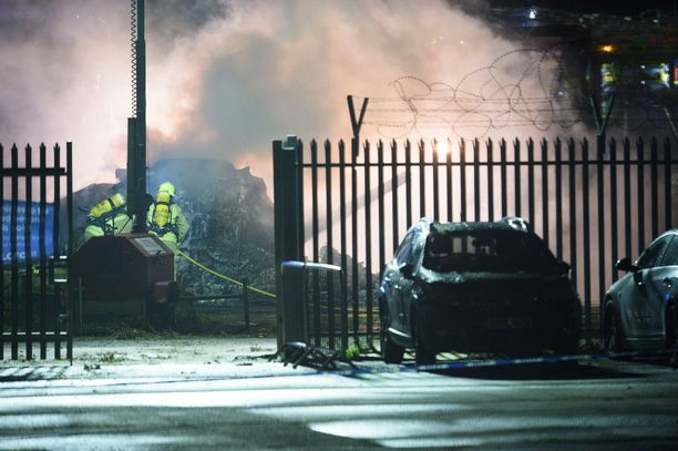 Leicester Cityn omistajan helikopteri putosi seuran stadionin omalle parkkipaikalle lauantai-iltana.