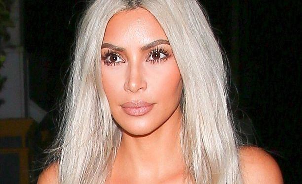 Kim Kardashian on yksi sosiaalisen median seuratuimmista henkilöistä.