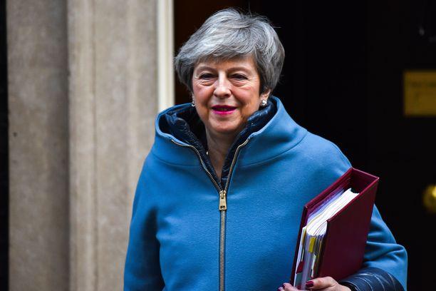 Pääministeri Theresa May sanoi keskiviikkona, että EU-jäsenyys on jakanut sekä konservatiivista puoluetta että koko kansaa vuosikymmeniä ja jäsenyyden päättämisestä ei ollut koskaan tulossakaan helppoa.