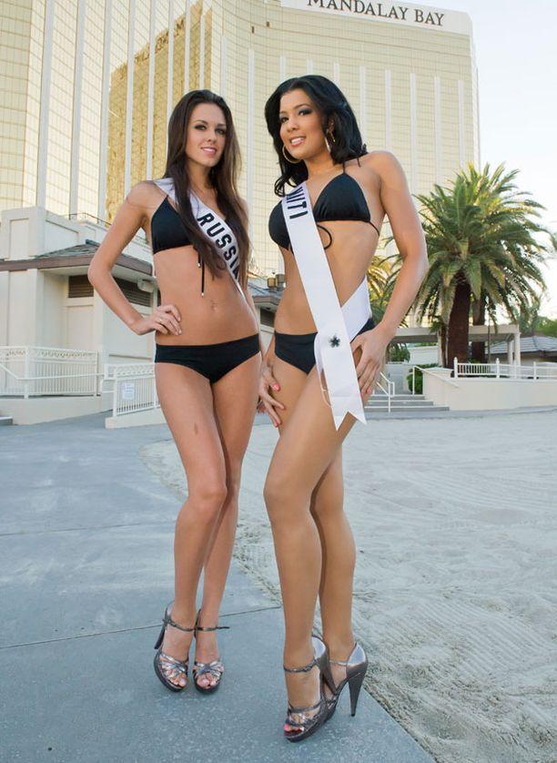 Miss Venäjä (vas.) ja Miss Haiti ovat myös peliyhtiön suosikkeja.