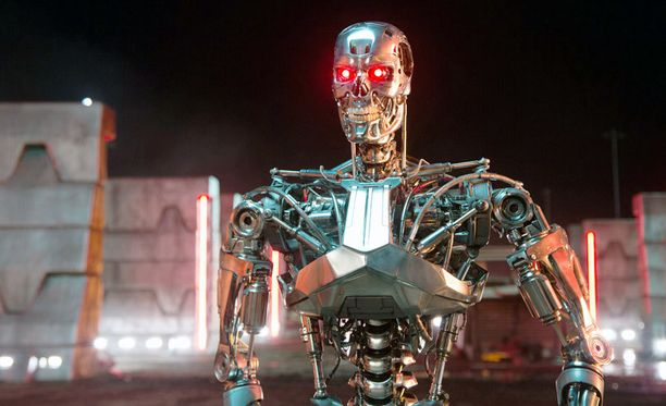 Fiktion tunnetuin tappajarobotti on Terminator-elokuvista tuttu T-800-kyborgi. Kuva uudesta Terminator Genisys -elokuvasta.