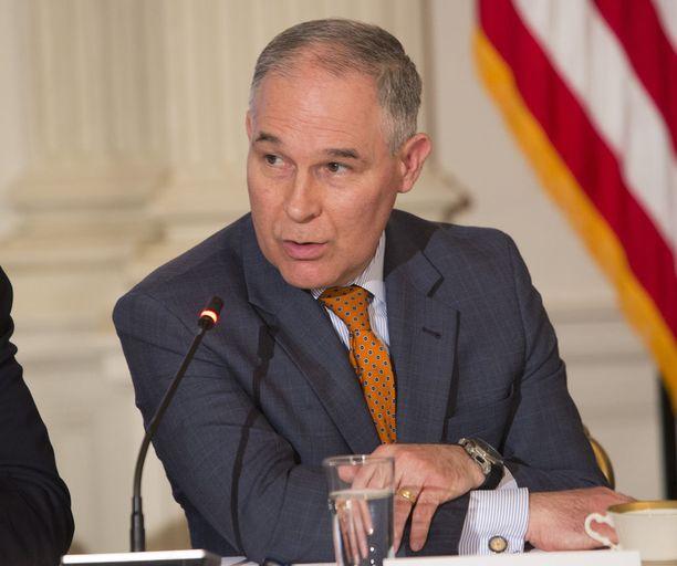 Asianajaja Scott Pruitt profiloitui USA:n ympäristöviraston vastustajaksi nostettuaan Oklahoman oikeusministerinä useita juttuja viraston määräyksiä vastaan.