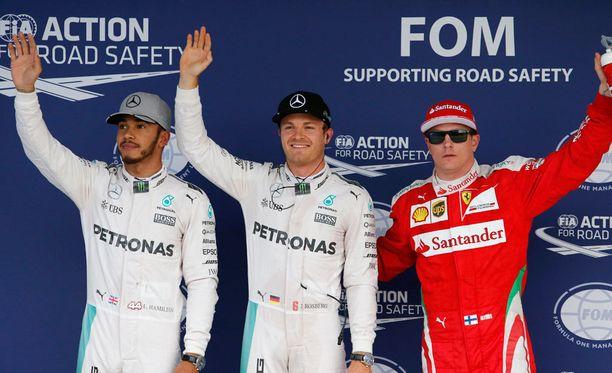 Lewis Hamilton, Nico Rosberg ja Kimi Räikkönen nappasivat kolme ensimmäistä sijaa Japanin GP:n aika-ajoissa.