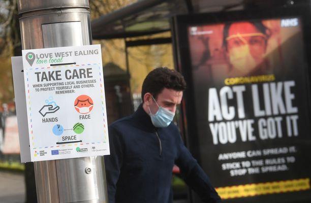 Professori pelkää virusvarianttien leviävän Britanniaan Manner-Euroopan kautta. Kuvituskuva Lontoosta.