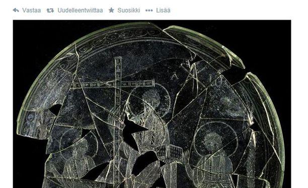 300-luvulle ajoitetussa esineessä Jeesus on kuvattu parrattomana ja lyhythiuksisena.