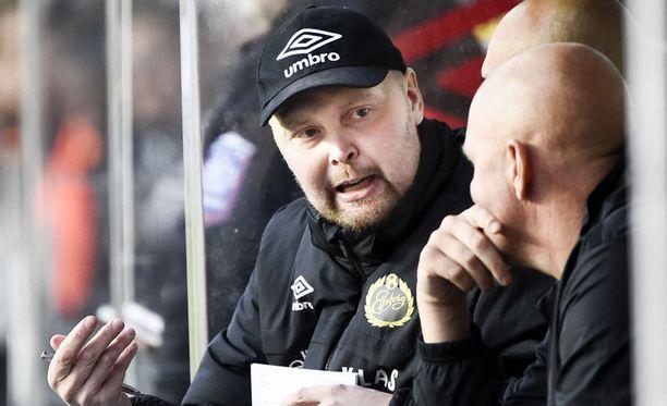 Klas Ingesson toimi viimeiseen asti Elfsborgin valmentajana. Oheinen kuva on otettu 28. syyskuuta AIK-ottelussa.