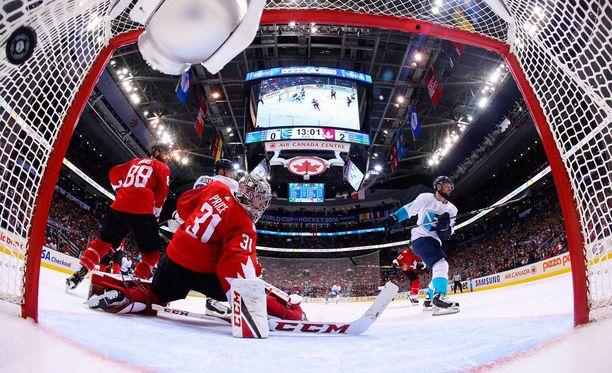 World Cupin finaalisarja käynnistyi viime yönä. Kanada voitti ottelun 3-1.