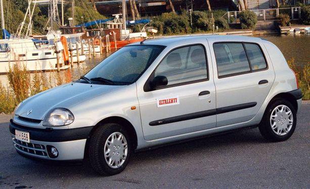 Renault Clio II eli toisen sukupolven mallia valmistettiin vuosina 1998 - 2005. Parilla tonnilla saa noin 170 000 ajetun pelin.