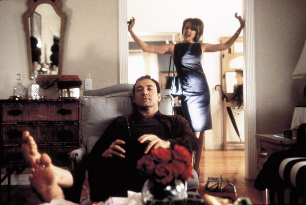 Fight Club ei ollut ainoa vuonna 1999 julkaistu leffa, joka kritisoi keskiluokkaisuuden kurjuutta. Myös American Beautya on analysoitu tällä kulmalla.