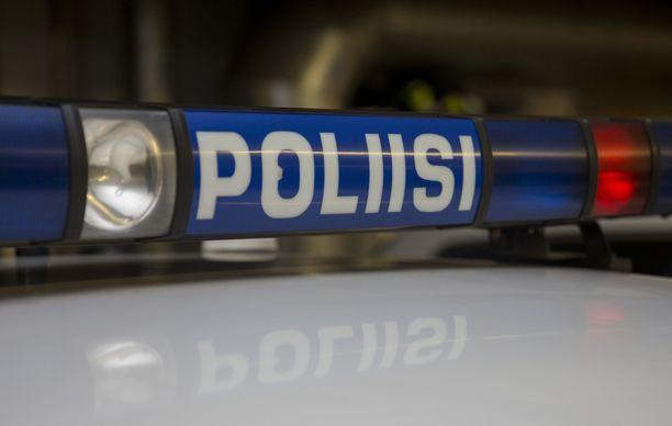 Lounais-Suomen poliisi pyytää yleisöltä apua havainnoista henkilöautomallisen taksin liikkeistä Turun keskustan ja Haritun välillä.