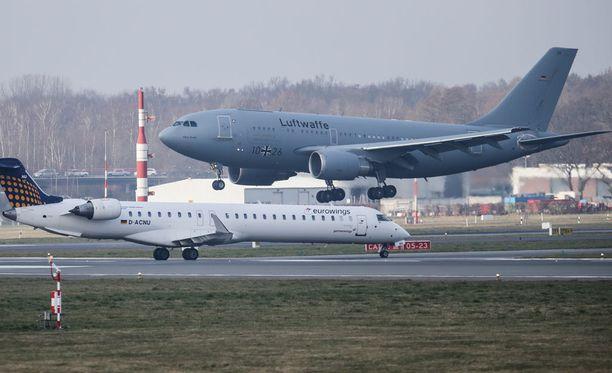 Hampurin lentokenttä evakuoitiin myrkkykaasun takia. Lentoja peruttiin ja siirrettiin. Arkistokuva.
