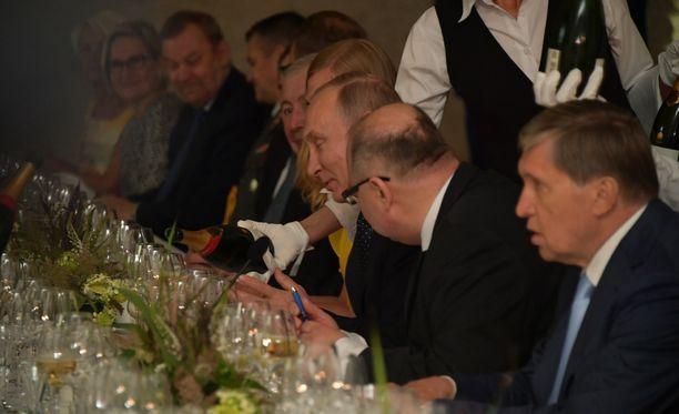 Putin ja Niinistö söivät päivällistä ennen oopperaa.
