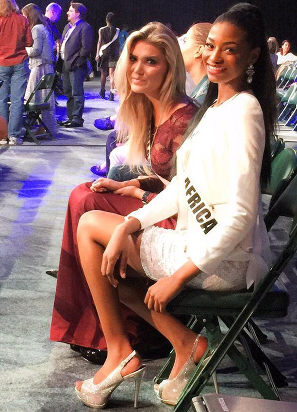 Bea jännitti sunnuntaina harjoituksissa Miss Etelä-Afrikan kanssa.