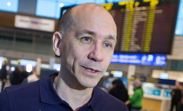Valmennusjohtaja Jorma Kemppainen haluaa palauttaa Suomen MM-kultakantaan.