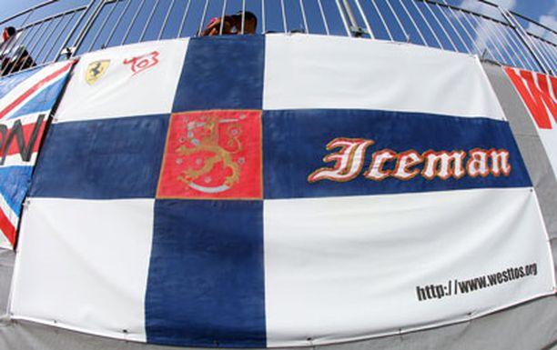 Jäämies on ylivoimaisesti suosituin F1-kuski Kiinassa. Myös Japanissa Kimi kuuluu yleisön suosikkeihin.