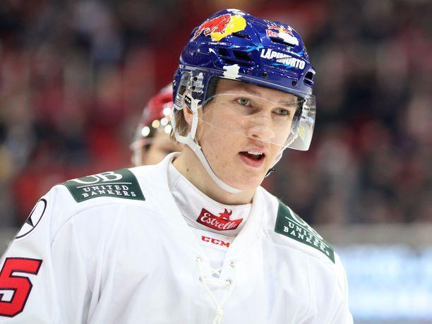 Anton Lundell on Suomen kärkipelaajia alle 18-vuotiaiden MM-kisoissa.