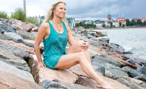 Susanna Tanni poseerasi Iltalehdelle heinäkuussa.