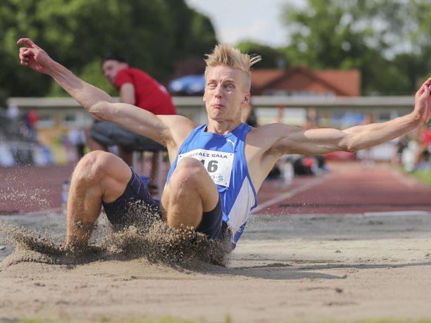 Kristian Pulli asetti pituushypyn SE-lukrmat uuteen uskoon.
